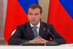 Медведев: в учебниках не должно быть разных оценок Второй мировой войны