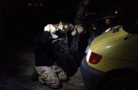 В Волынской области силовики со стрельбой задержали 200 копателей янтаря