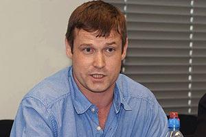 Российского оппозиционера вывезли из Киева и арестовали