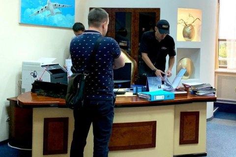 """НАБУ проводить обшук в """"Украерорусі"""" у справі Платинум Банку"""