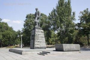 Суд запретил оппозиции возлагать цветы к памятнику Шевченко в Одессе