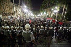 Бразилія: поліція закликала туристів не перешкоджати пограбуванням під час ЧС-2014