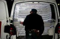 Муж сотрудницы украинского посольства попался на контрабанде сигарет только на 20 рейсе