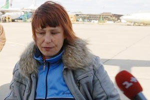 Мать Оксаны Макар взяли под охрану из-за угроз