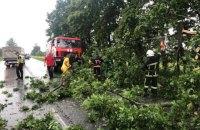 Ураганный ветер сорвал крышу сельской школы в Запорожской области, - ГосЧС