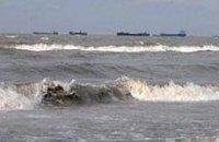 Одесский и Ильичевский порты остановили работу из-за непогоды