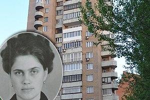 Бывшие соседи: жена всегда провожала Януковича до лифта