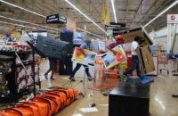 В Мексике акции против подорожания бензина обернулись грабежами магазинов