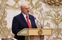 """Лукашенко: """"президент ніколи не втікав і втікати не збирається"""""""