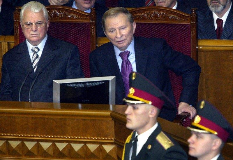 Леонід Кравчук і Леонід Кучма під час церемонії інавгурації Віктора Ющенка, Київ, 23 січня 2005 року.