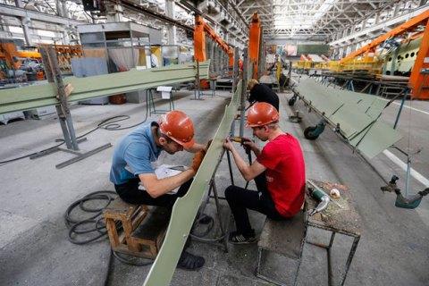 Темпи спаду в промисловості та будівництві сповільнилися