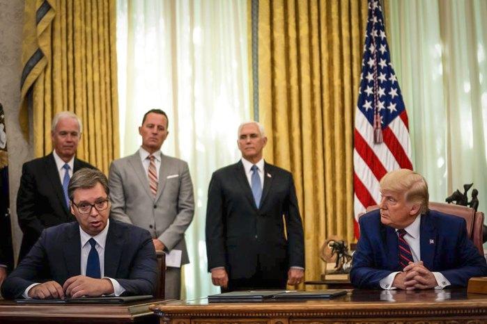 Александр Вучич и Дональд Трамп во время подписания договора в Белом доме, Вашингтон, 4 сентября 2020 р
