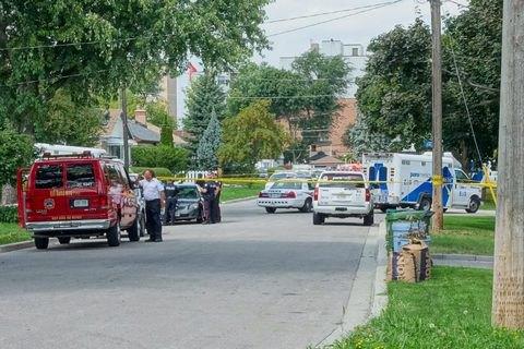 В Торонто трех человек застрелили из арбалета