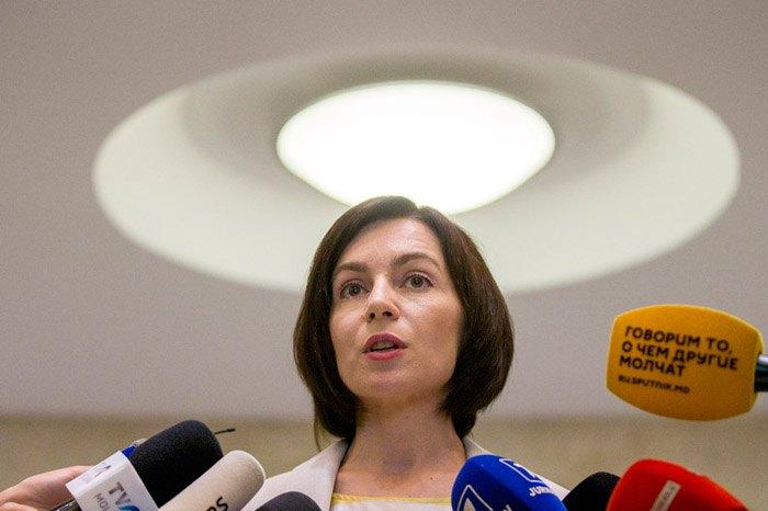 Новоизбранный премьер-министр Майя Санду общается со СМИ после заседания правительства, Кишинев, Молдова, 10 июня 2019