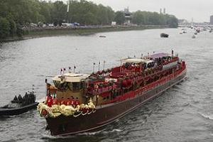 Флотилію на честь ювілею Єлизавети II внесли до Книги Гіннесса