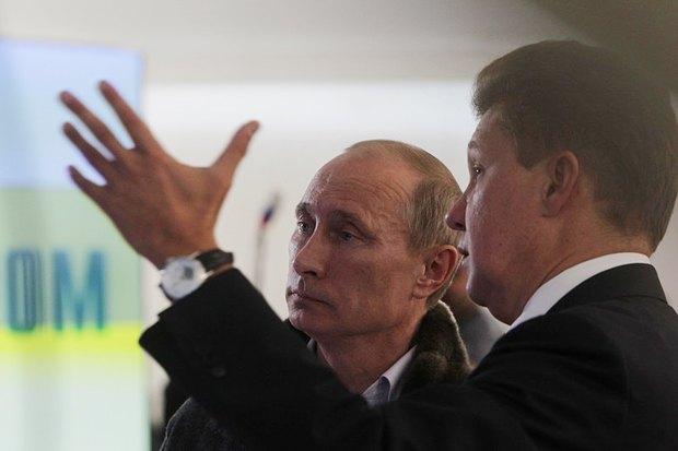 Владимир Путин слушает главу Газпрома Алексея Миллера