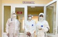 В Україні коронавірус діагностували у майже тисячі медиків