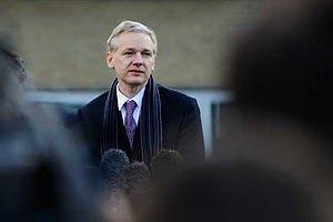 Ассанж попросив не переслідувати журналістів