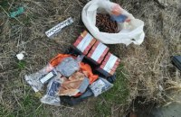 Правоохоронці знайшли дві схованки з вибухівкою і гранатами в Запоріжжі