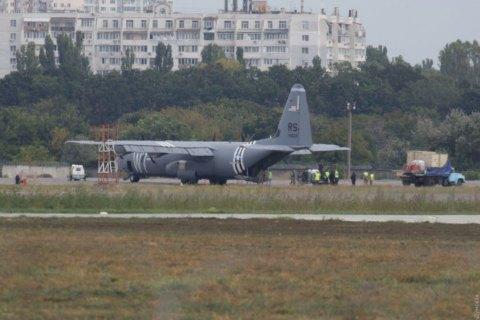 В Одессе экстренно сел самолет ВВС США