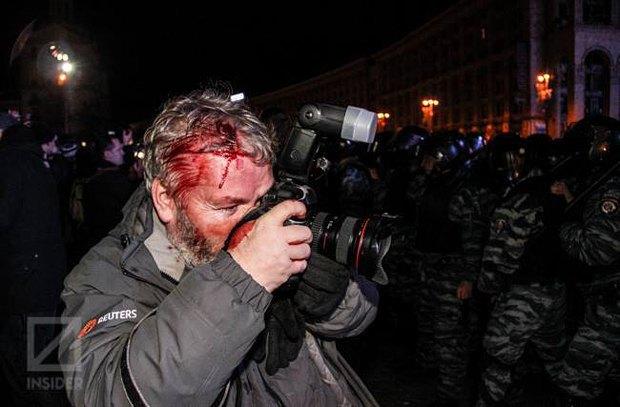 Журналист агентства Reuters пострадал от действий Беркута