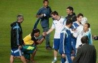 """""""Роналдиньо"""" встал на колени перед Месси"""
