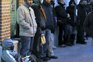 Во Франции безработица достигла 13-летнего максимума