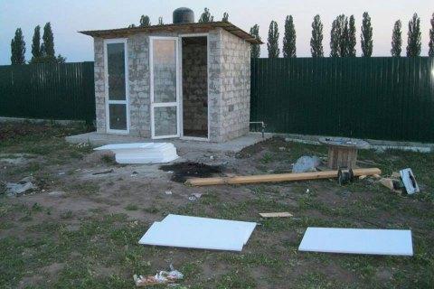У селі під Києвом подружжю підкинули хлібницю з вибухівкою