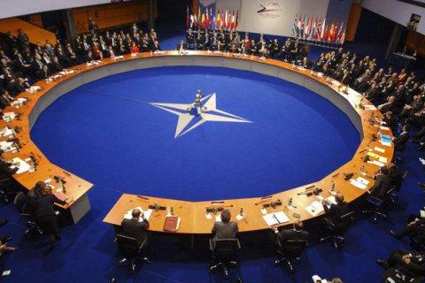 До Києва прибула оціночна місія НАТО