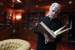 Литвин обіцяє розглянути закон про скасування недоторканності в призначений термін