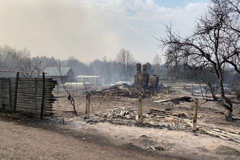 В Чернобыльской зоне отчуждения и Житомирской области продолжается тушение тления