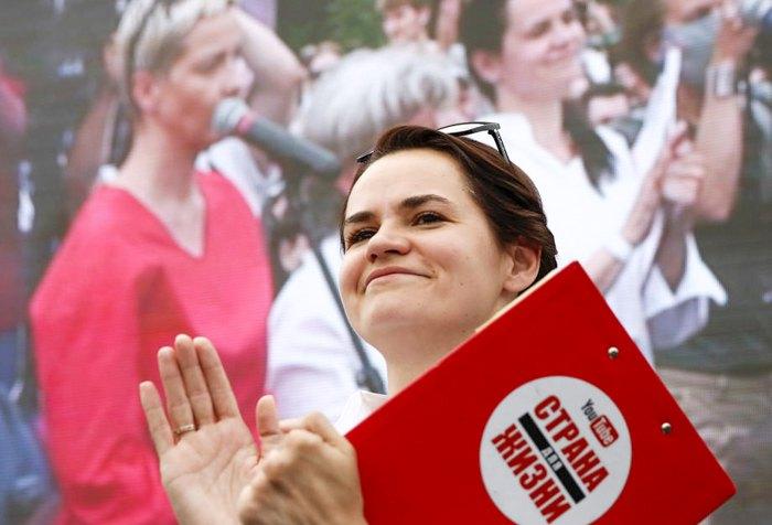 Светлана Тихановская во время предвыборного митинга