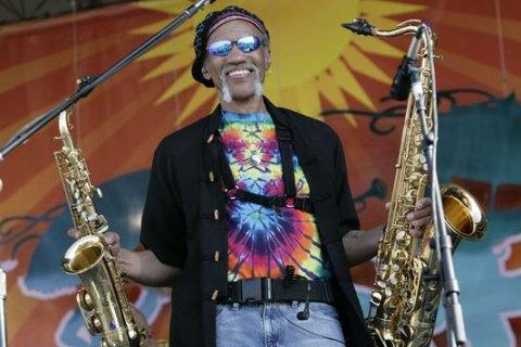 Помер відомий американський саксофоніст Чарльз Невілл