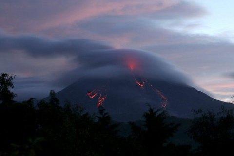 """У Мексиці прокинувся """"Вогняний вулкан"""""""