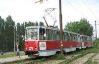 Пенсионерка получила травму, выпрыгнув на ходу из киевского трамвая