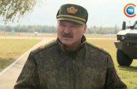 Лукашенко пообіцяв видати кожному білорусу зброю в разі війни