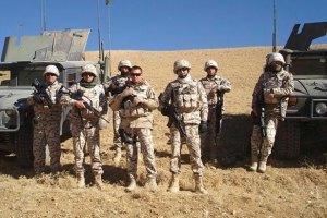 Порошенко відправив 30 військових до Афганістану