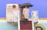 Байден знову спіткнувся на трапі президентського літака