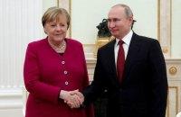 Меркель перед візитом в Україну заїде до Путіна
