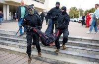 За весь час протестів у Білорусі силовики затримали 13,5 тисяч людей