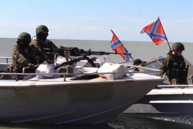 """""""Флотилія ДНР"""" на рибальських човнах провела навчання в Азовському морі"""