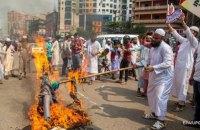 У Бангладеші спалахнули багатотисячні мітинги проти Макрона