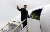 Янукович улетел в Эмираты