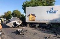 Около Мукачево на трассе Киев-Чоп произошло масштабное ДТП с 4 пострадавшими