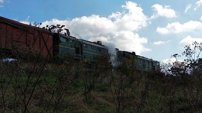 На Буковині загорівся локомотив (ФОТО)