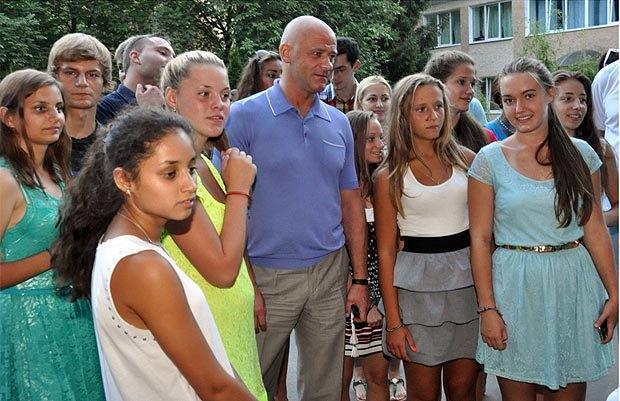 Геннадій Труханов у дитячому таборі «Вікторія»