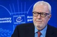 Регламентний комітет ПАРЄ застосував санкції до екс-голови і доповідача в Україні