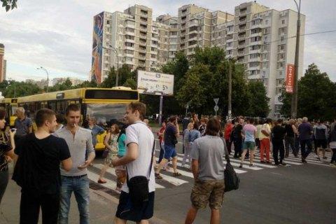 Рух автобусів на Харківському шосе в Києві відновлено