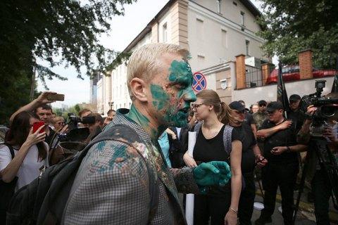 Полиция задержала мужчину, который облил Шабунина зеленкой