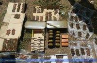 У зоні ООС спецслужби затримали трьох контрактників з контрабандою зброї